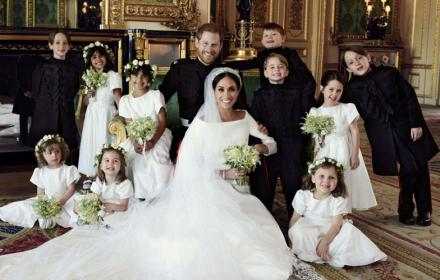 Ето ги: Официалните сватбени портрети на Хари & Меган