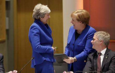 Double Trouble: Тереза и Ангела бяха в синьо