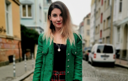 Sofia Street Style: jingle bell ROCK