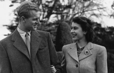 Филип и Елизабет: една велика любовна история в 30 кадъра