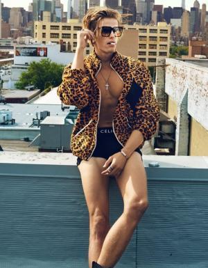 Петъчна доза секс: King of the Jungle или поне на Калифорнийския плаж и мъжкия грим