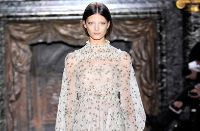 Приказки от Haute Couture Пролет 2012: Valentino и разкошният 19 век