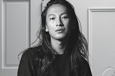 Жесток моден скандал: Wang VS Plein