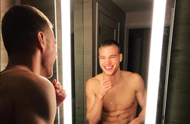 Петъчна доза секс: Горещите мъжлета на Instagram