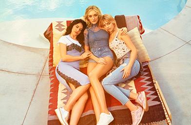 H&M представя колекцията H&M Loves Coachella: в духа на фестивала, заедно с The Atomics