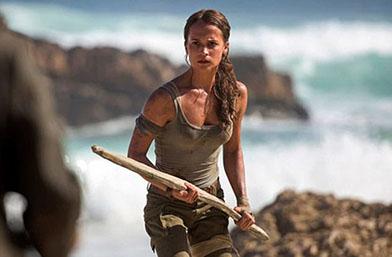 Алисия като Анджелина: Първи снимки от новия Lara Croft