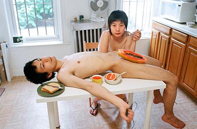 Размяна на ролите: Фотографката Пикси ни показва, че модерната двойка може да бъде секси по много начини