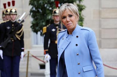 Да или Не? Първата дама на Франция в Louis Vuitton