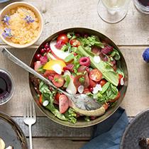 Салатите, които ще добавят щипка свежест към вашето лятно меню