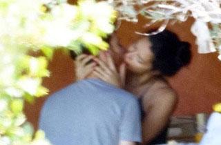 Бурни страсти: Кое е новото момче на Адриана Лима?
