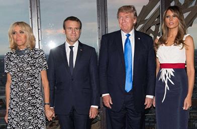 Коя е по-добра? Тръмп VS Макрон на Айфеловата кула