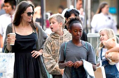 We love: Анджелина и щеркита на пазар