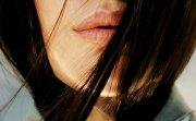 Забравете за балсамите, хидратирайте устните с околоочен крем