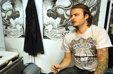 Мъже в черно: За татуистa Смоков няма трудни татуировки, има само интересни