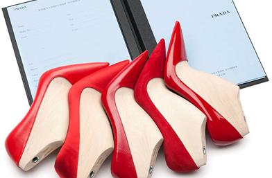 Клиентките на Prada с уникална възможност - да ушият сами обувките си