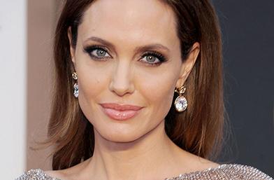 Анджелина: Отстраних яйчниците си, вече съм в менопауза и очаквам някои промени