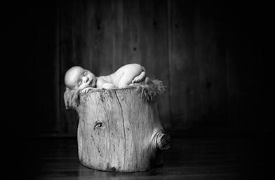 Защо новороденото ми бебче е непрекъснато неспокойно