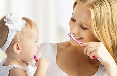 Миенето на детските зъбки може да бъде забавно. Ето как!