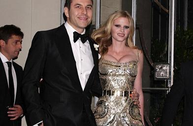 Моделът Лара Стоун и съпругът й Дейвид Уилиямс пред развод