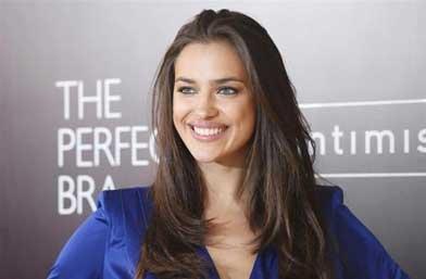 Ирина Шейк е новото лице на L'oréal Paris!