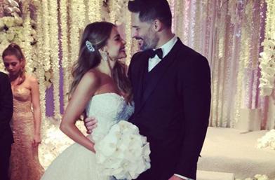 Каква красива сватба - първи снимки от ДА-момента на София Вергара и Джо Манганиело