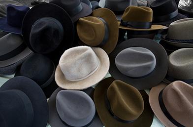 Този любим аксесоар - шапката, и как да я поддържаме ПРАВИЛНО