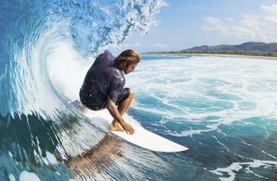 Men's Exhibit: На върха на вълната... с най-горещите сърфисти!