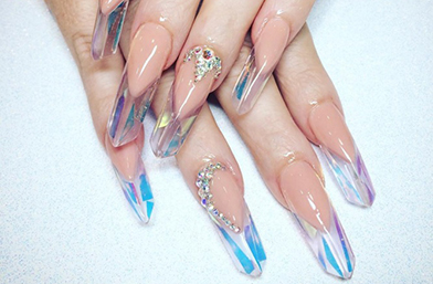 Dare U: Кристални нокти
