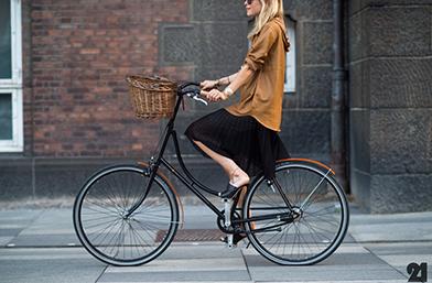 Street Style вдъхновения... градски шик на две гуми
