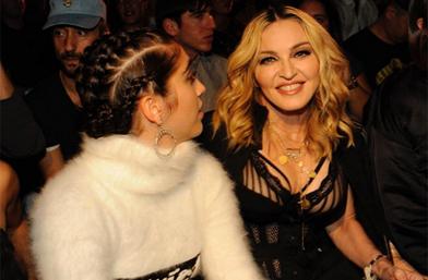 Първи ред: Мадона + Лурдес = точка за Alexander Wang