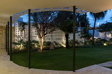 Дизайн за вдъхновение: Жестока частна резиденция от 40-те в Сао Паоло