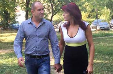 Разпятие в розово: За Първата дама на България и за Радев