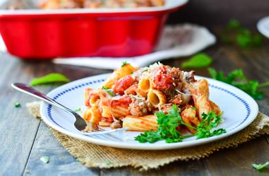 Печена паста Ригатони с италианска наденица