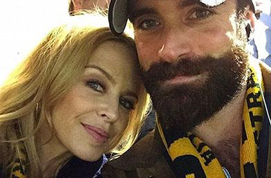 В пълна депресия: Кайли Миноуг сложи край на годежа си