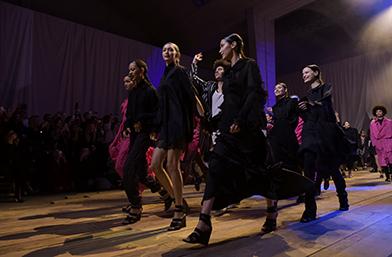 """H&M studio Пролет/лято 2017 с модно шоу във формат """"SEE NOW, BUY NOW"""" на Седмицата на модата в Париж"""