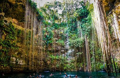 Travel Guide: Най-добре пазените тайни на Юкатан!