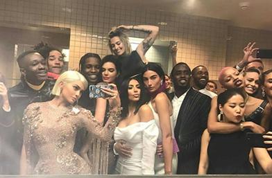 Зад кулисите на Met Gala 2017