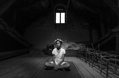 Изгубеният свят: Фотографска изложба на Симеон Лютаков