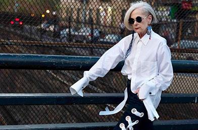Лин Слейтър: Как на 63 се става модна икона!