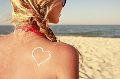 Идва лятото! Как да предпазим косата си от слънцето и други фактори?