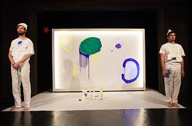 Столичен куклен театър оцветява детските мечти в
