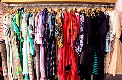 Как да подобрим гардероба си с малко пари и да бъдем З-А-Ш-Е-М-Е-Т-Я-В-А-Щ-И? Втори живот на дрехата