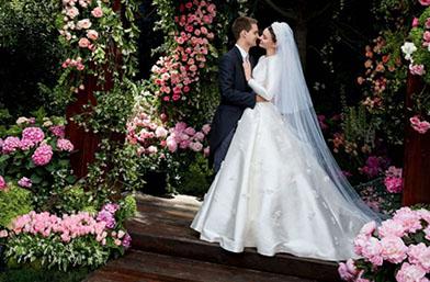 We love: Първите сватбени снимки на Миранда Кер