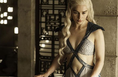 """45 в снимки: Най-запомнящите се модни моменти от """"Игра на тронове"""""""