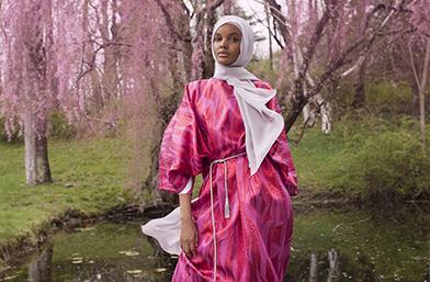 Моделът в хиджаб Халима Аден с първа рекламна кампания