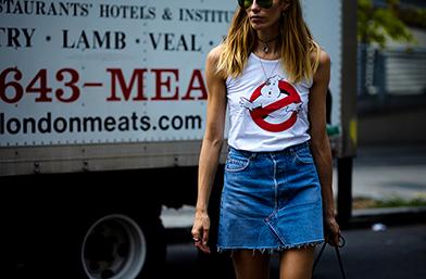 Street Style вдъхновения: Революционното завръщане на деним полата