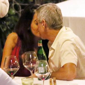 Обичта на известните: Влюбените Джордж и Амал на италианска вечеря