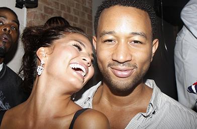 Криси и Джон в 51 снимки, които ще ви накарат да се влюбите!