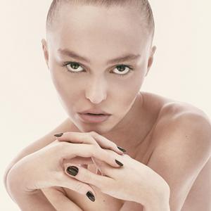 We love: Лили-Роуз Деп за CR Fashion Book