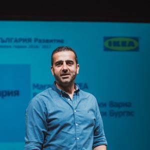 Кой е по-готин: Новият шеф или новият каталог на IKEA